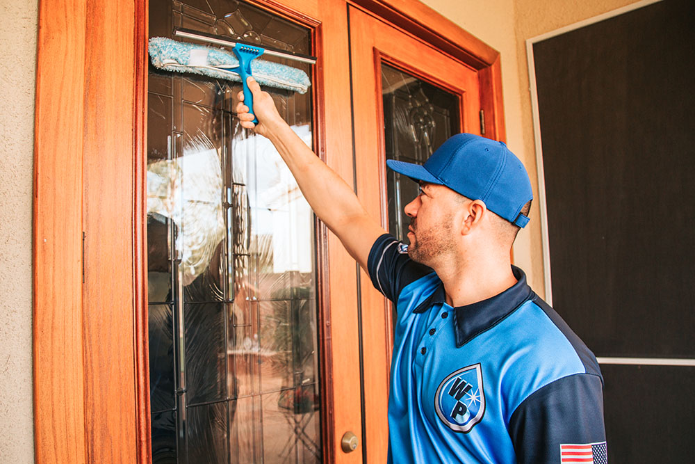 commercial-window-cleaning-queencreek
